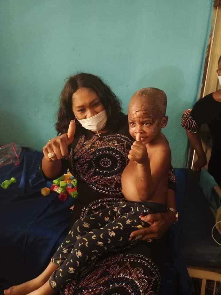RESCUED KIDS FROM THE ONITSHA PROPHETESS WHO ALLEGEDLY POUNDS CHILDREN ALIVE, VISITED BY ANAMBRA'S COMMISSIONER FOR WOMEN AND CHILDREN AFFAIRS