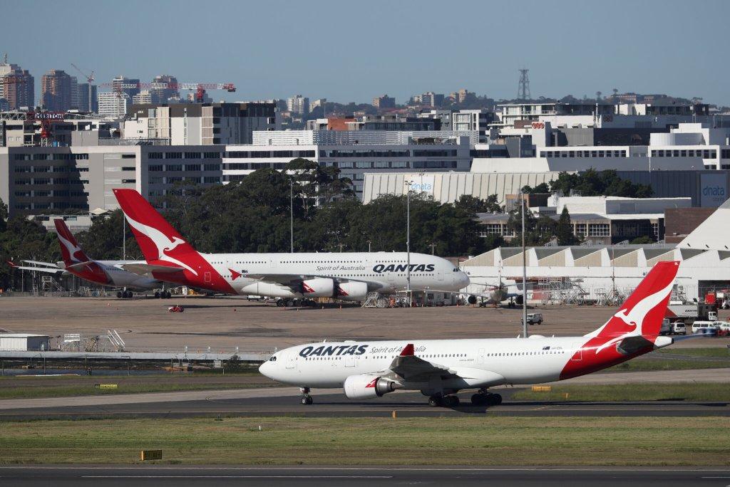 Quantas Airline - Australians stranded overseas