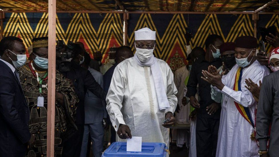 Chad Election- President Idriss Déby seeks sixth-term re-election, opposition withdrew after life-threatening attacks - President casts vote