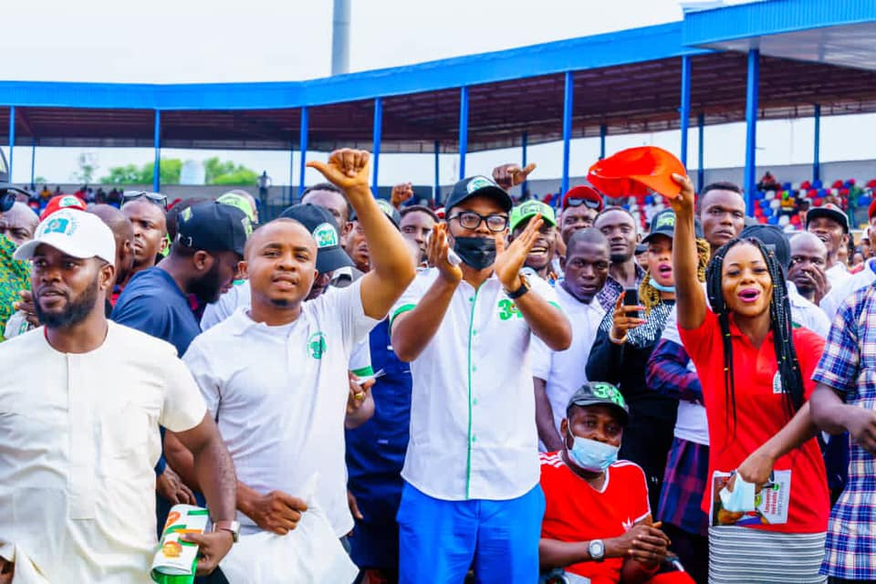 IMO YOUTHS CHEER AS GOV UZODIMMA FLAGS OFF N4BILLION IMO YOUTH EMPOWERMENT PROGRAM