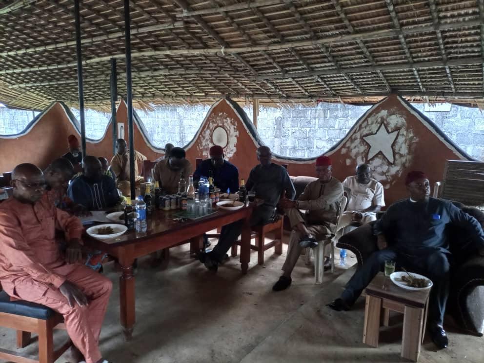 OMADIKE UMUOMA NEKEDE REACTIVATES THE BEAUTY OF (OBI EZE) PALACE OF THE OLD IGBO TRADITION (PHOTOS)