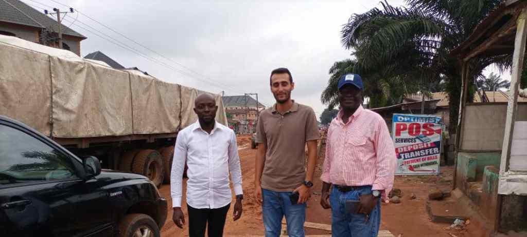 9News Nigeria Imo Correspondent, Princely Onyenwe with road construction engineers