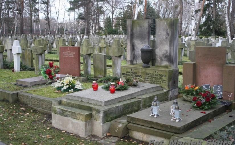 3.12.2013 – wizyta na grobach dowódców 9 PSK