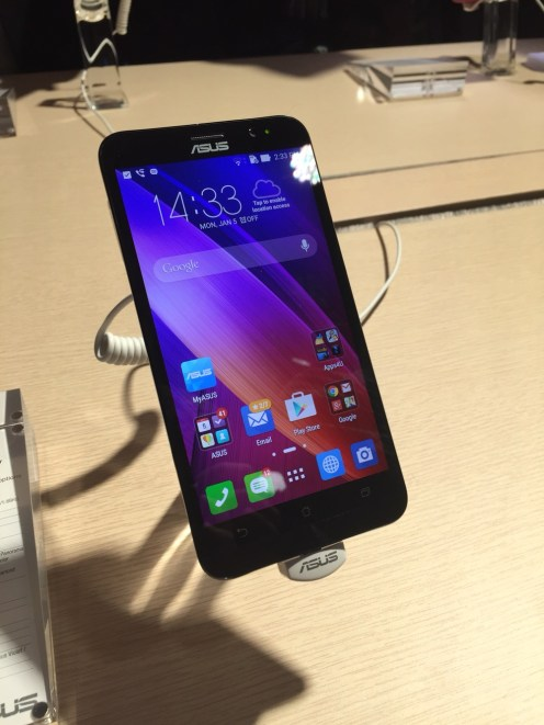 Zenfone-2-hands-on-03