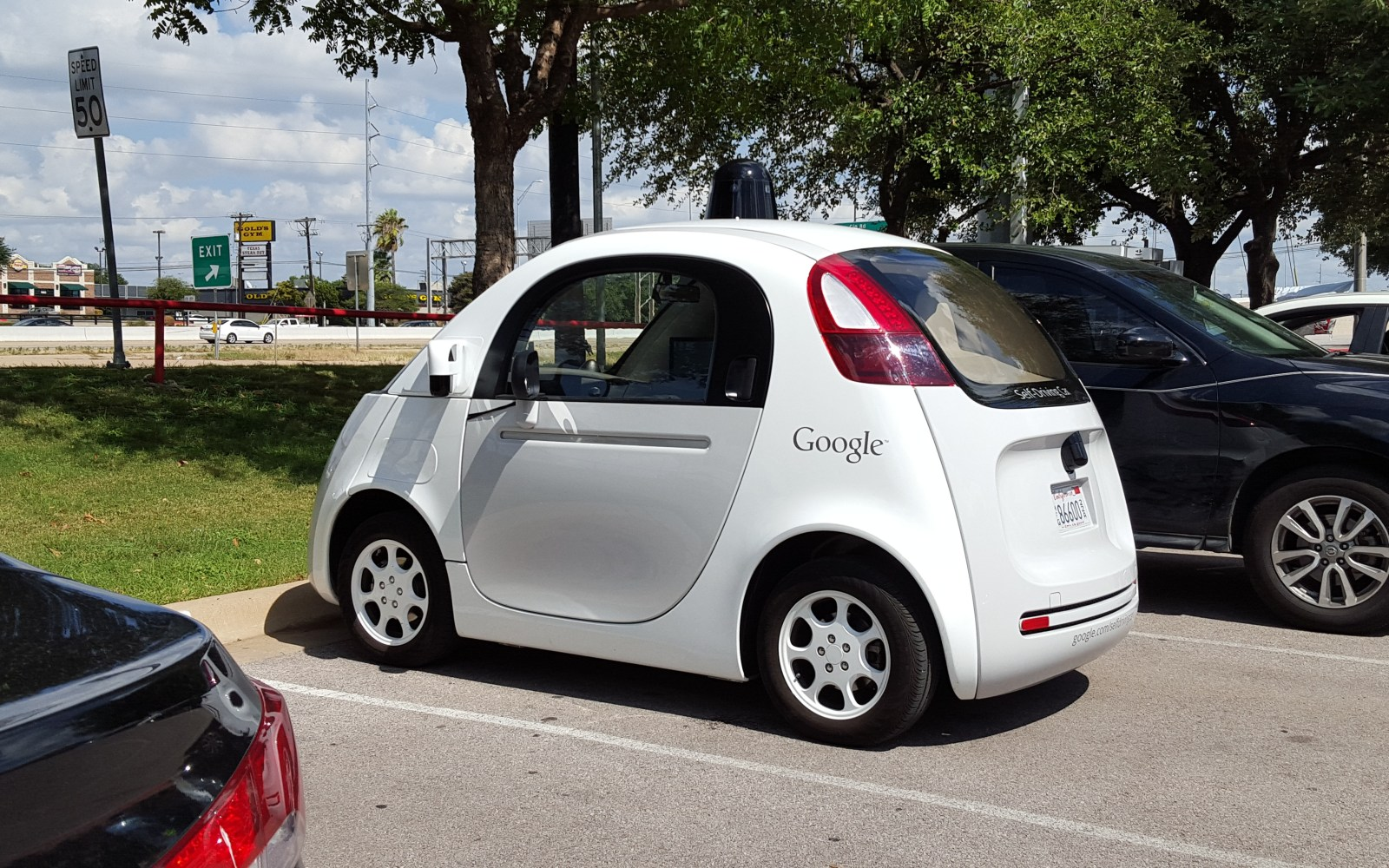 """Nest CEO Tony Fadell compares Google's self-driving car to a """"professional driver"""""""