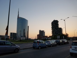 The sky gets dusky here, but it's not a problem for the S7's camera. Here's the UniCredit building shown before sitting next to Milan's award-winning 'Bosco Verticale' (Vertical Wood).