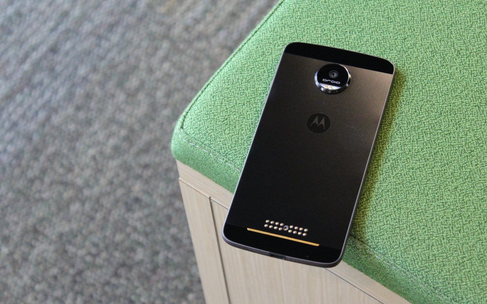 Review: Moto Z, Moto Z Force, and Moto Mods are 'modular' done well
