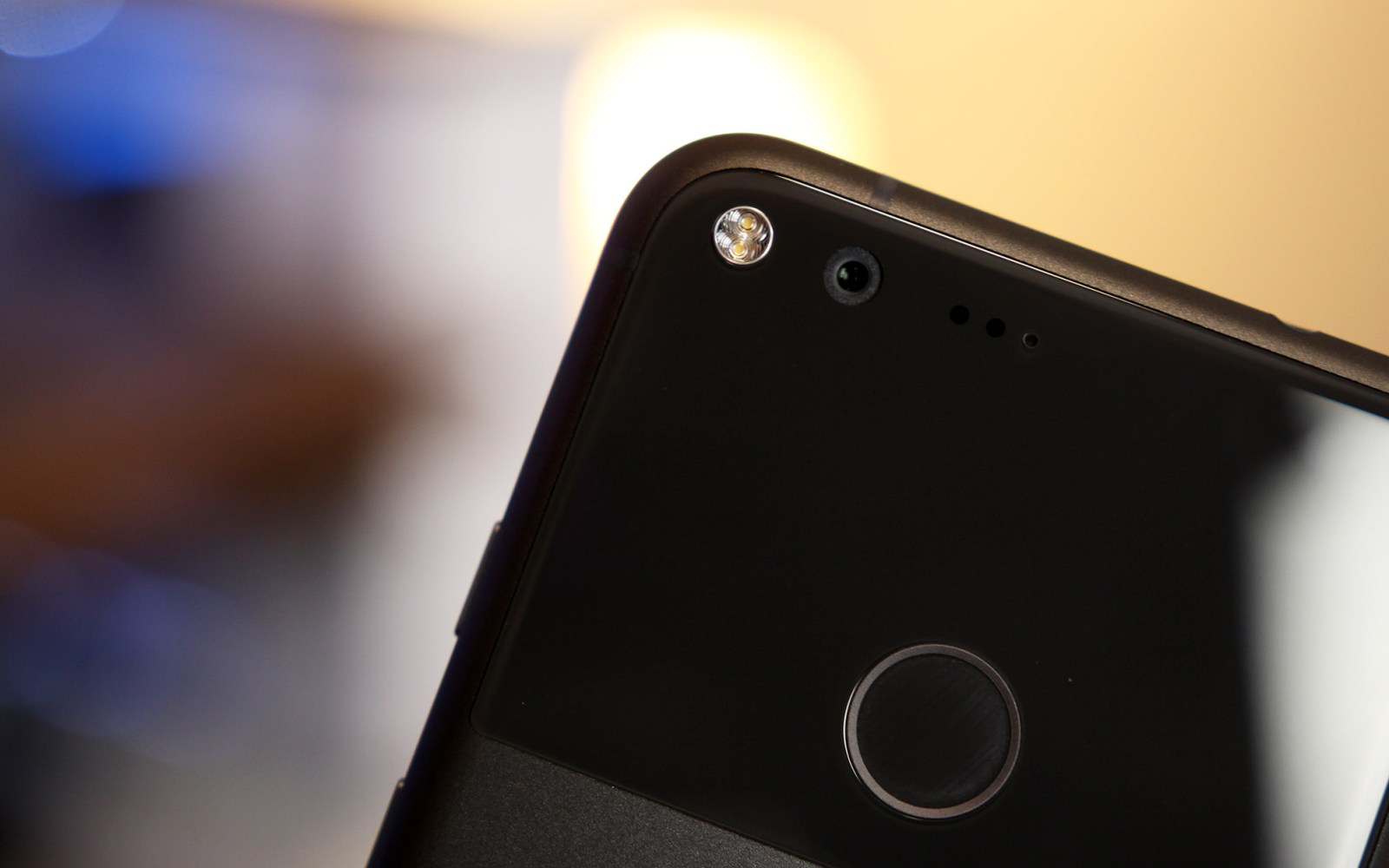 Revised Google Pixel hardware showing up in the wild, might include fix for microphone issue [Update: Not revised hardware]