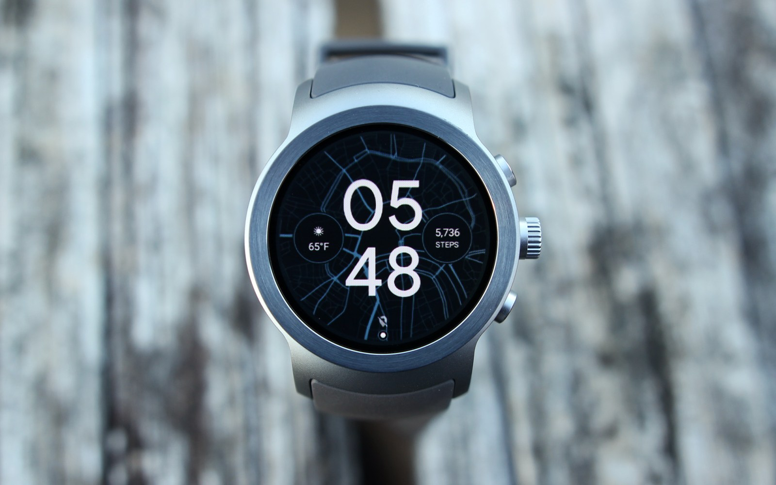 LG Watch Sport Review: Android Wear 2.0 arrives on hardware that tries to do it all [Video]