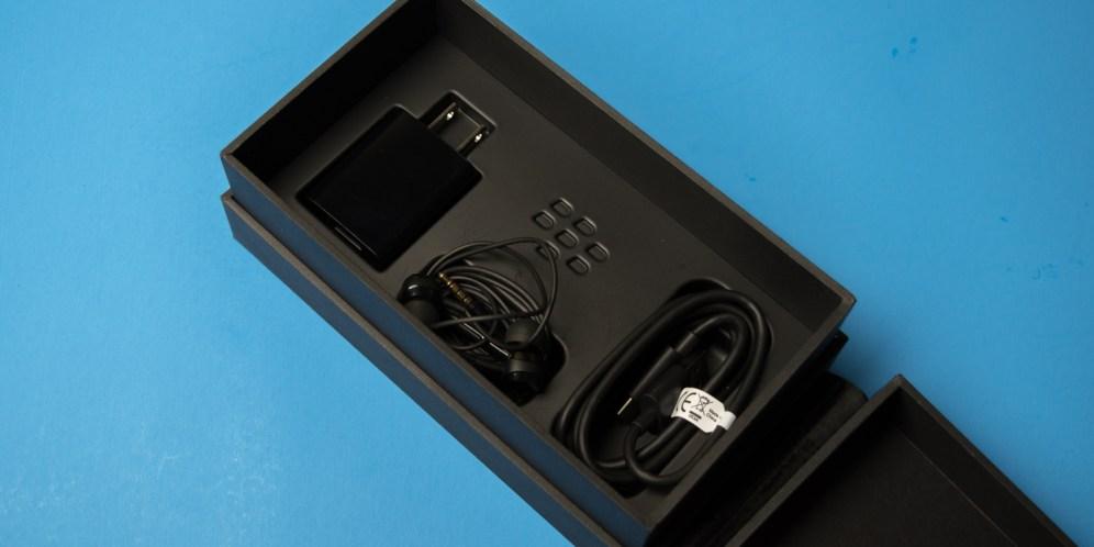 blackberry-keyone-unboxing-6