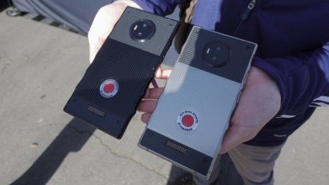 red-hydrogen-one-2