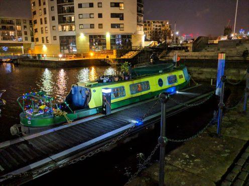 Pixel 3 XL - Night Sight - Houseboat
