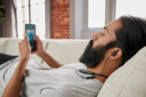 BW2-R-Listening
