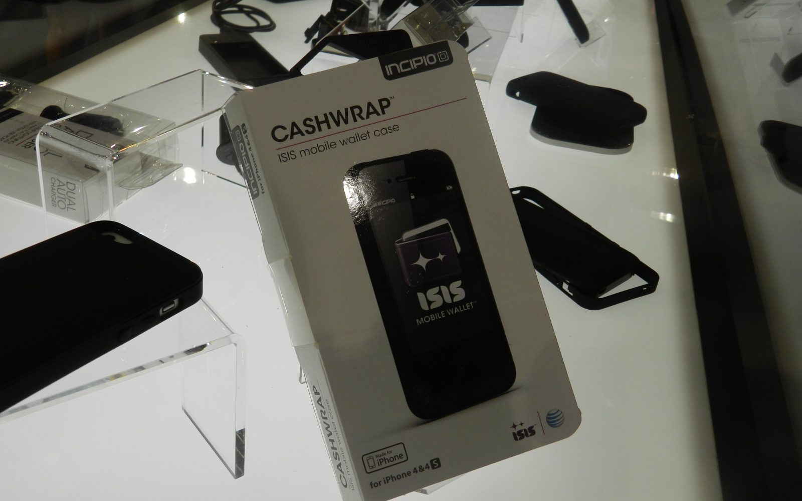 Incipio & AT&T finally launch NFC-enabled Cashwrap iPhone case for ISIS payments