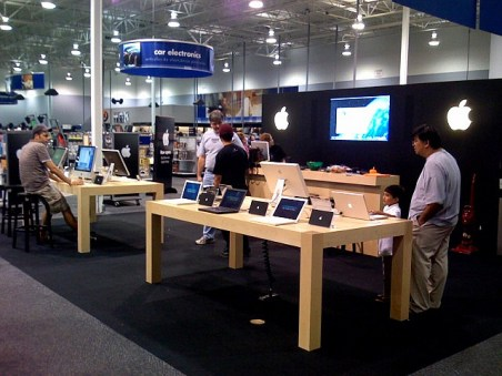 Apple vs Samsung war moves to retail as Best Buy plans to open 1,400 'Samsung Experience Shops'