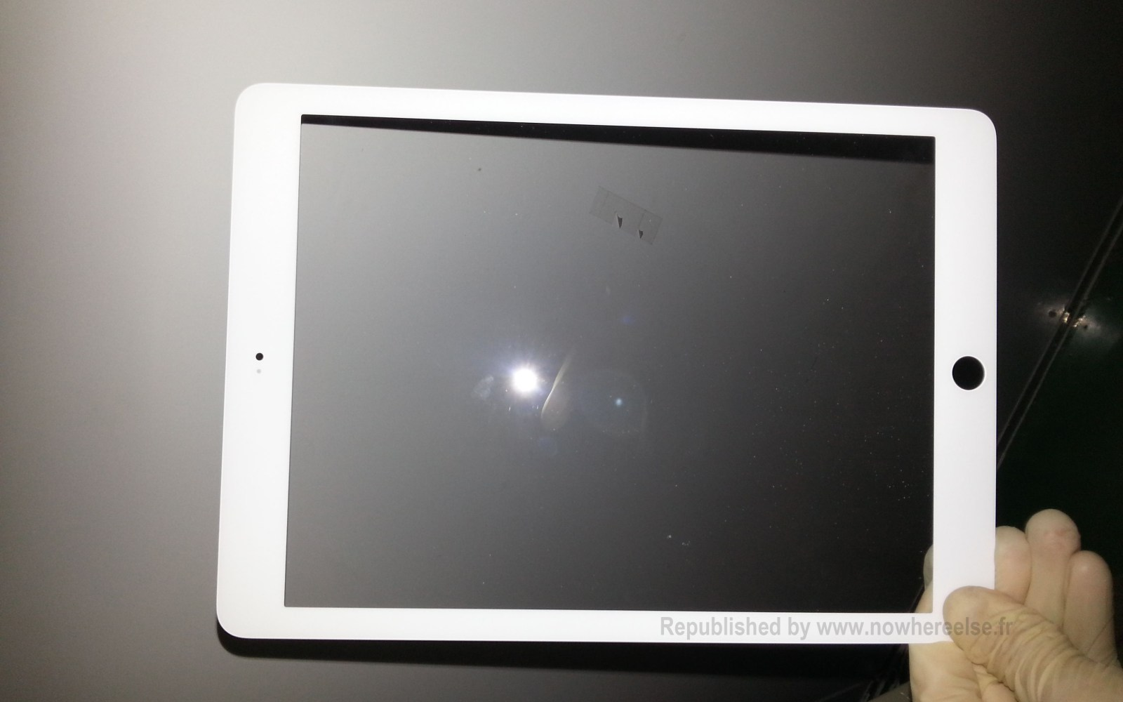 Possible white 'iPad 5' front bezel leaks show narrower edges