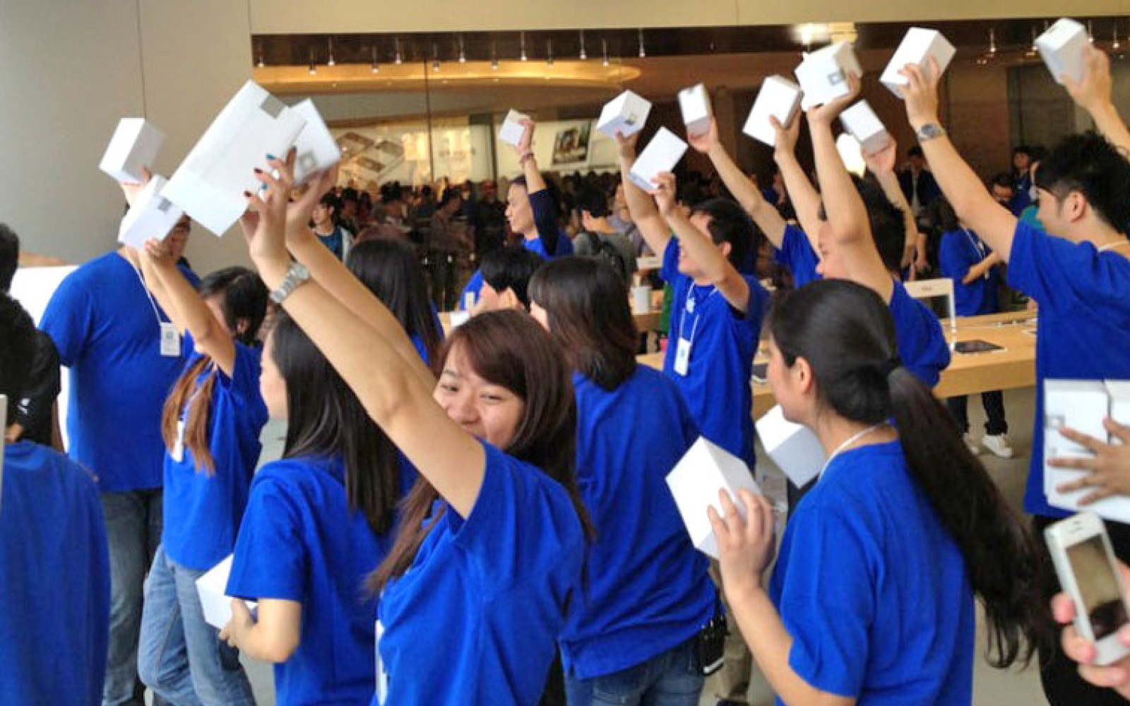 Analysts predicting record iPhone launch, China & Japan deals adding up to 38M extra sales