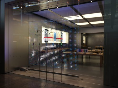 Apple-Store-vegas-winter-display-03