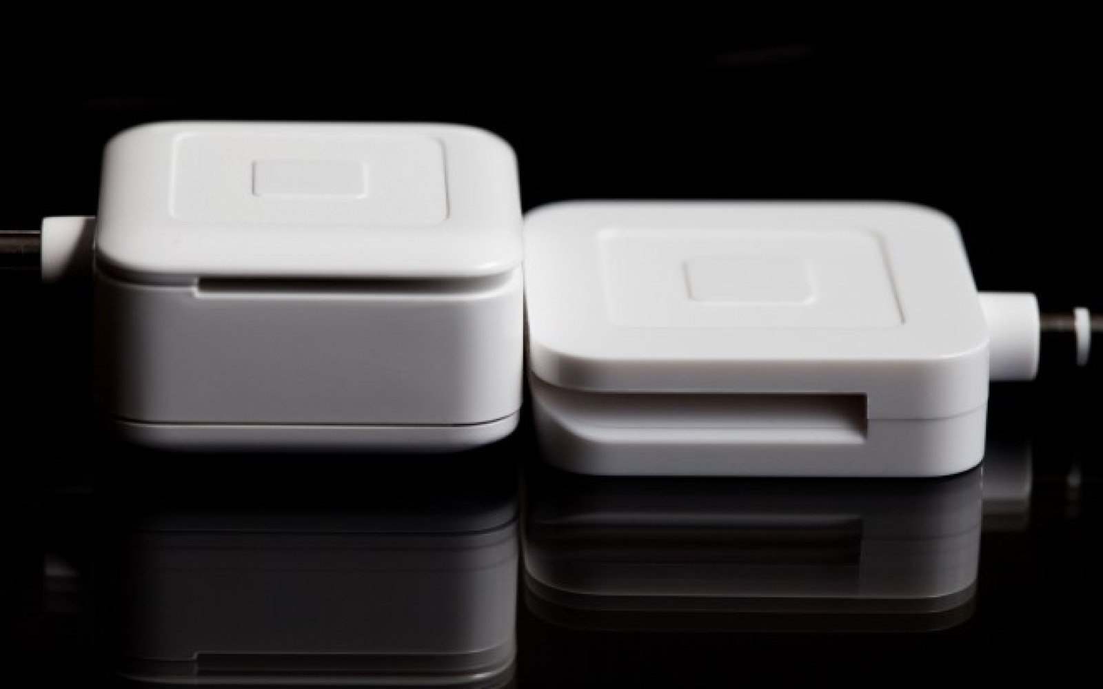 Former Apple accessories engineer helps trim down the Square card reader