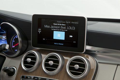 Benz-CarPlay-05
