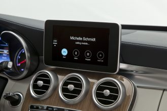 CarPlay-Benz-09