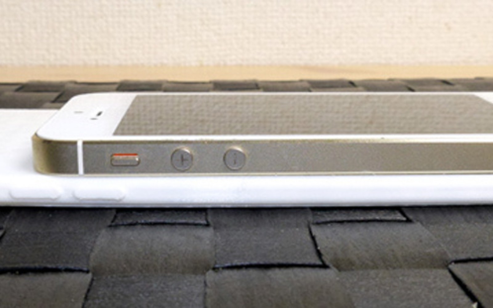 Crude 3D-printed mockup compares size of monster 5.5-inch iPhone 6 to iPhone 5S