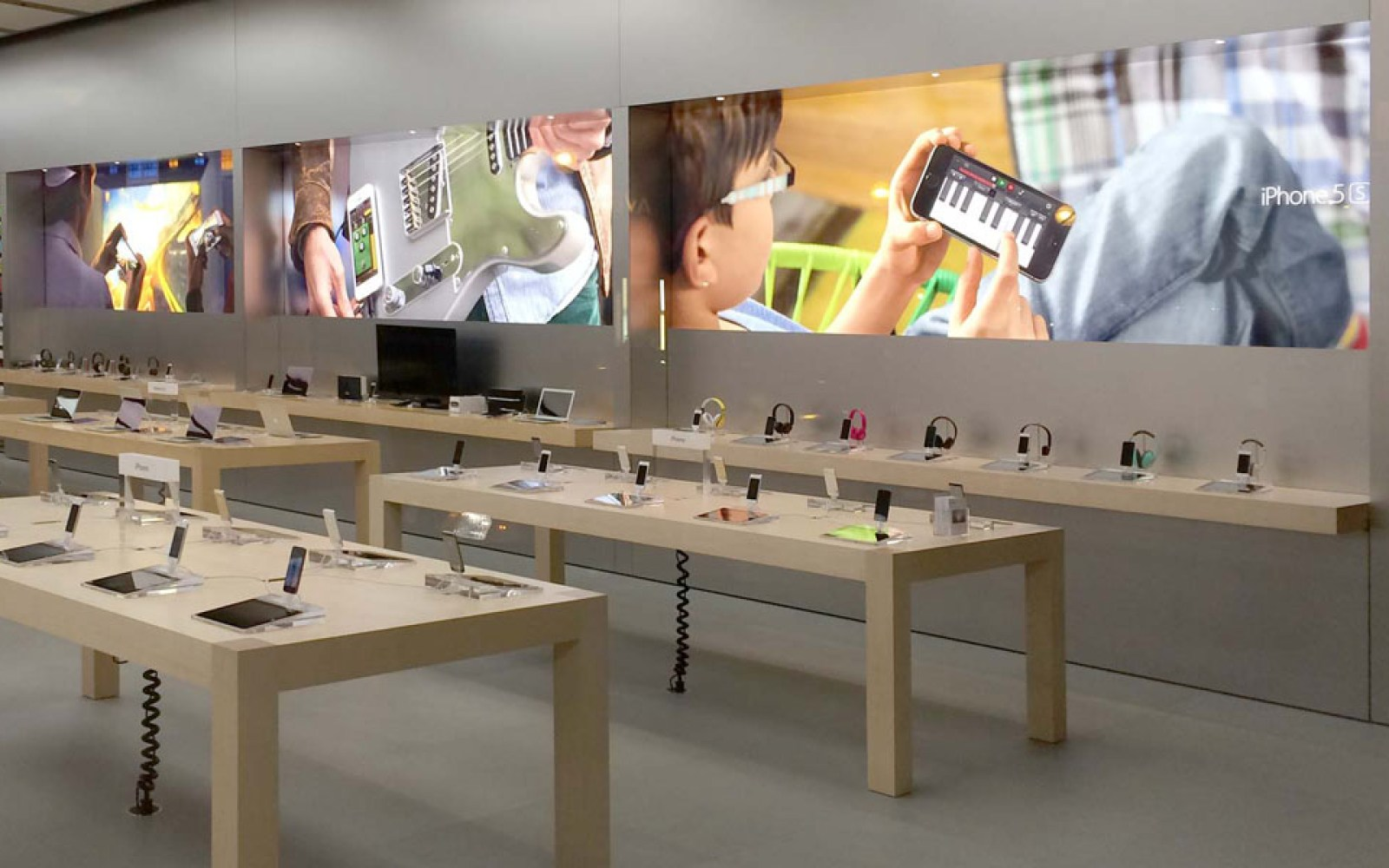 Apple Store visuals revamped with inspiration from recent TV campaigns