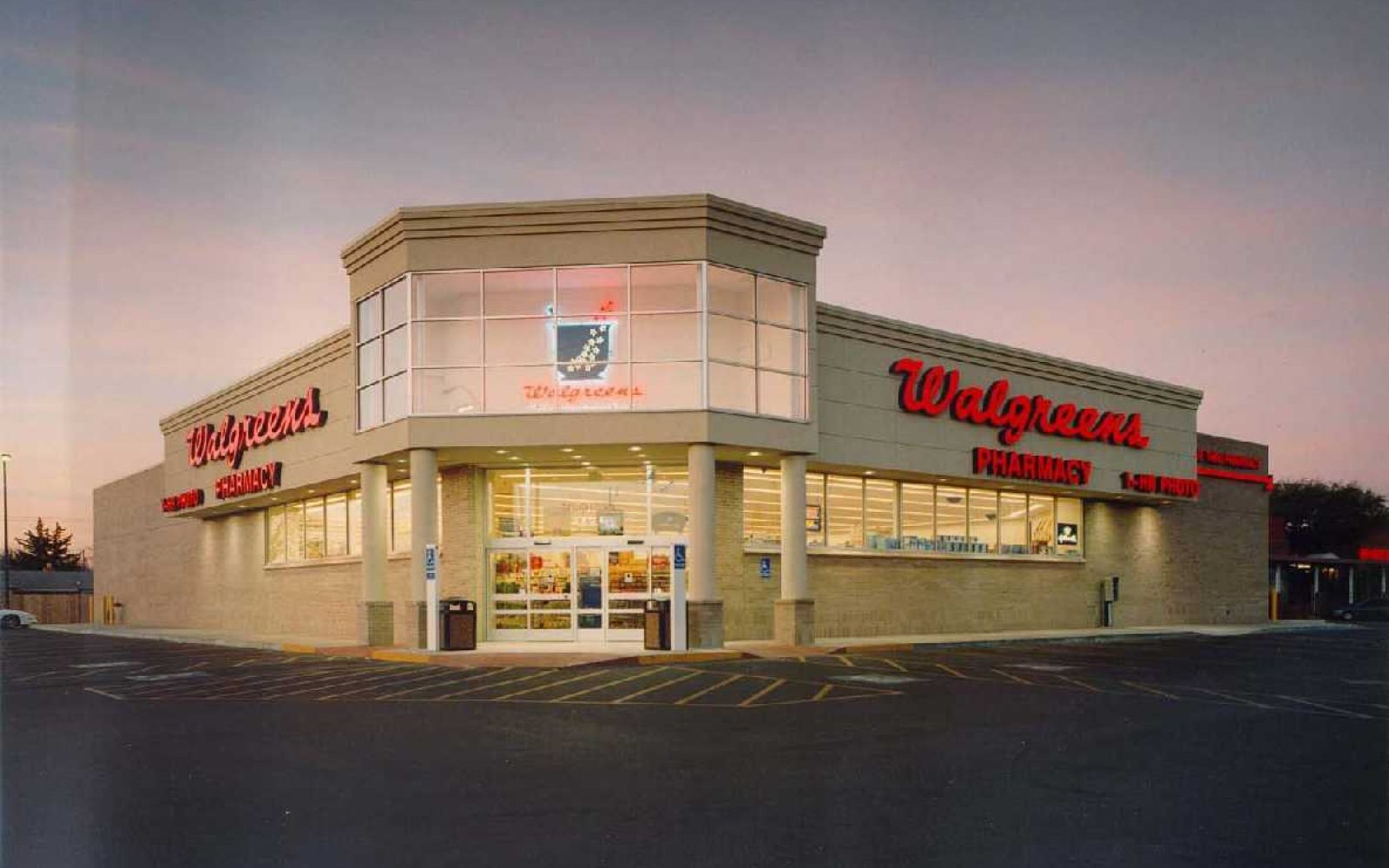 CVS and Walgreens reportedly on board with Apple's mobile payment plans
