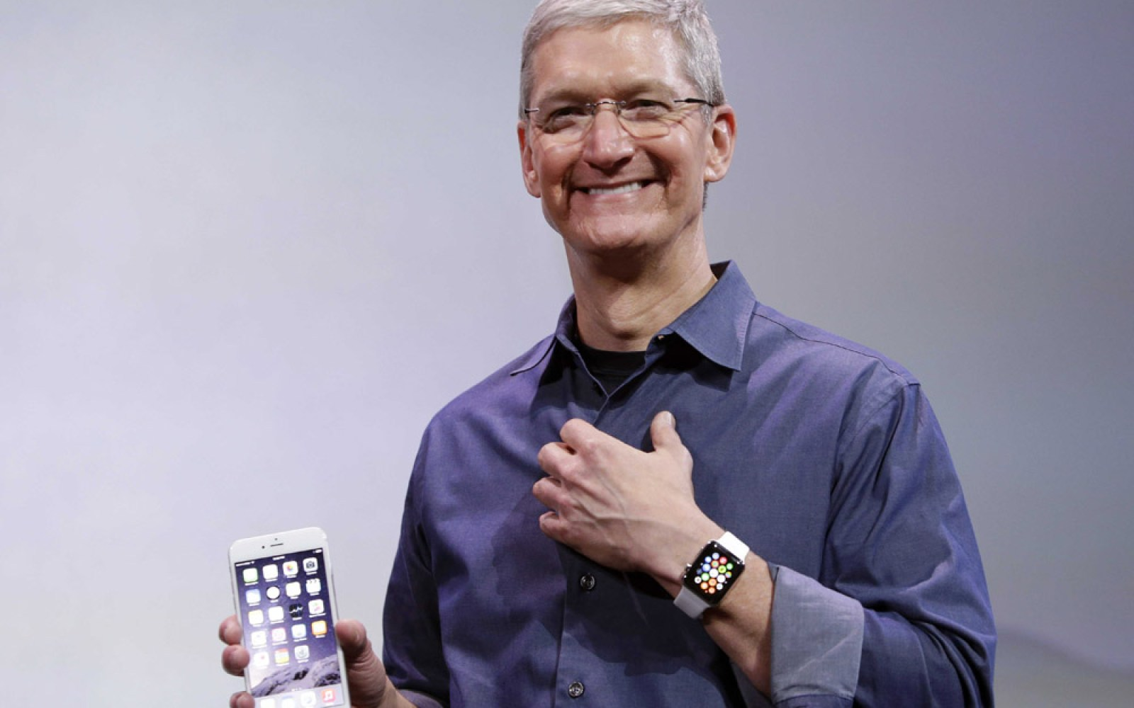 Tim Cook says Apple Watch will be available outside U.S. in April
