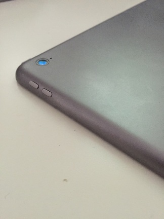 Purported 'iPad Pro' dummy model dredges up age-old rumor of dual Lightning ports