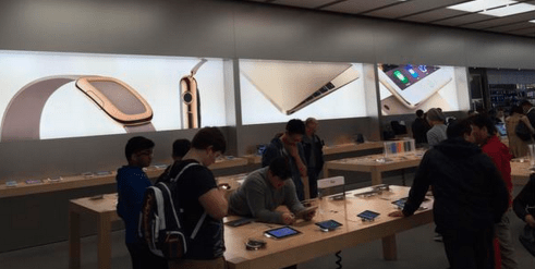 Apple starts advertising Apple Watch in retail stores ahead of next month's launch
