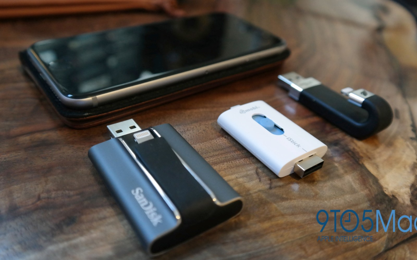 The best iPhone/iPad USB flash drives with Lightning connectors