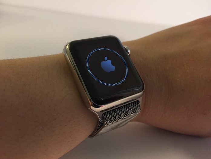 Apple Watch syncing
