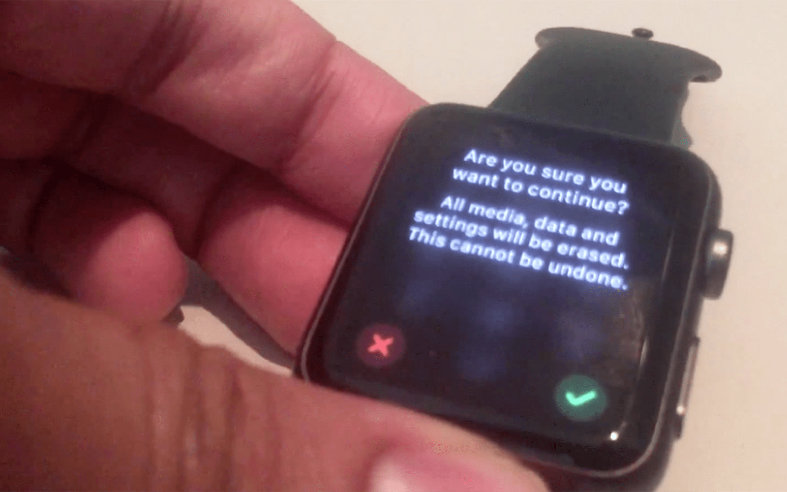 Thieves can bypass Apple Watch passcode to pair a stolen watch with