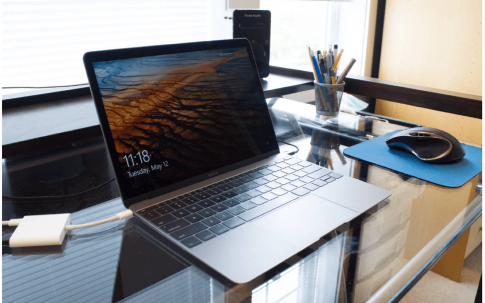Early look at Windows 10 on the new Retina MacBook says it runs better than OS X