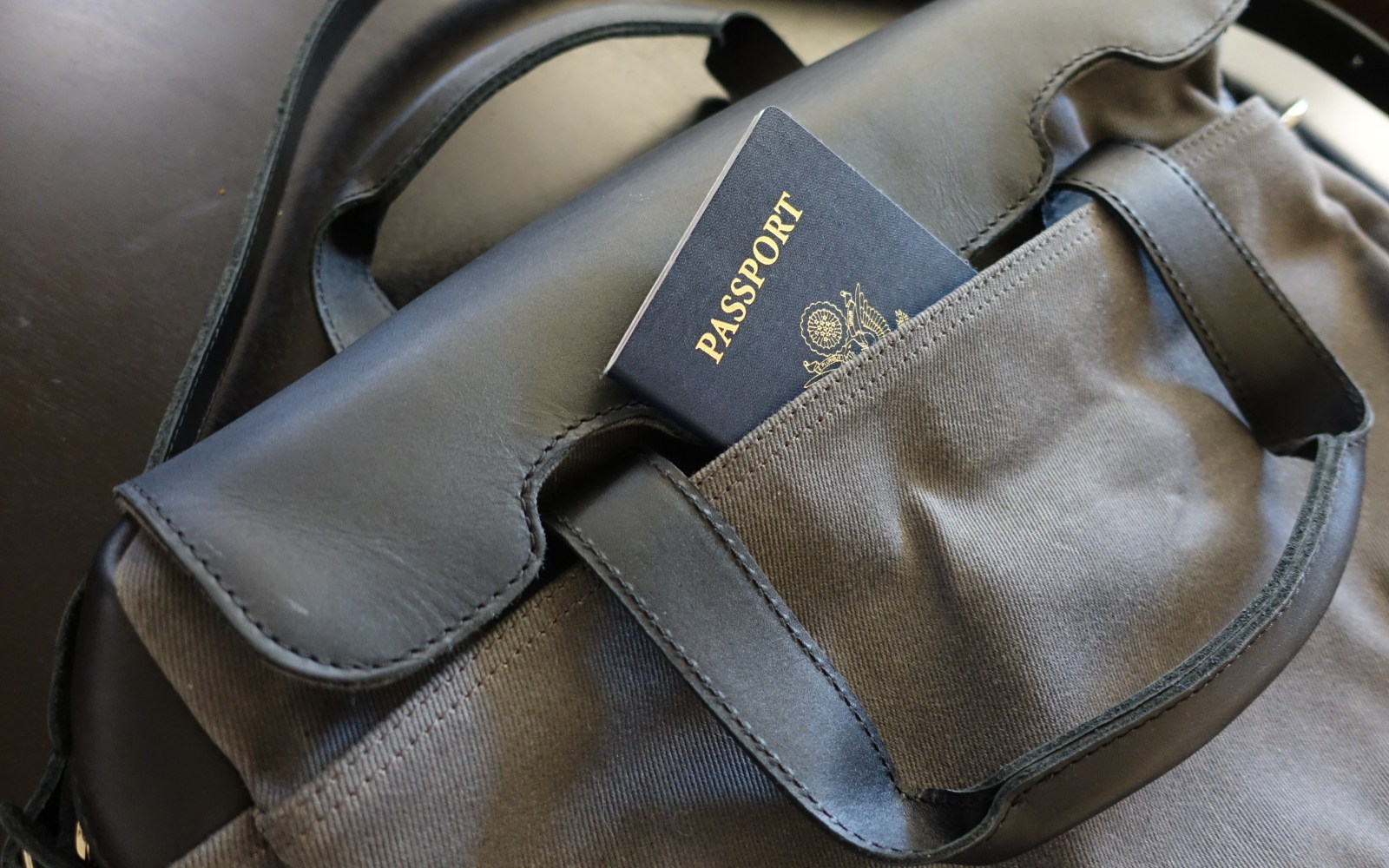 Review: The Briefcase from Pad and Quill is a beautiful gear bag that's built to last a lifetime (+giveaway)
