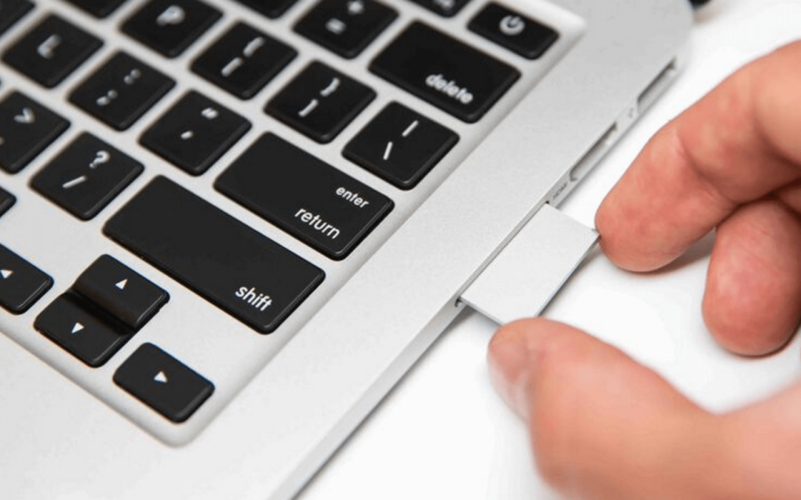 TarDisk Pear promises to double your MacBook's HD by creating an SD card-based fusion drive