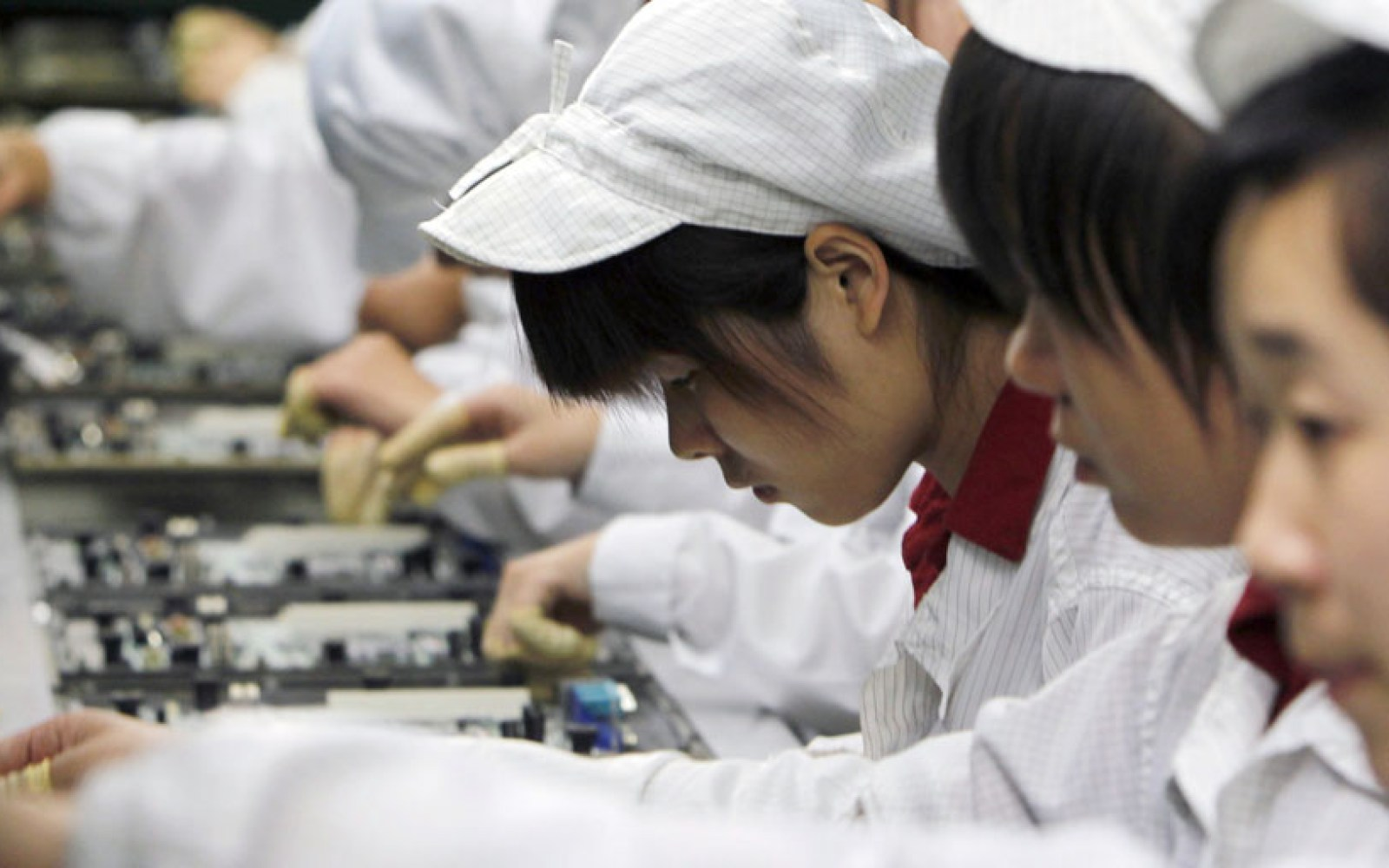 Majority of iPhone/iPad workers at Pegatron's Shanghai factory exceed 60-hour work limit, claims China Labor Watch