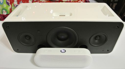 Beats Pill+ iPod Hi-Fi top