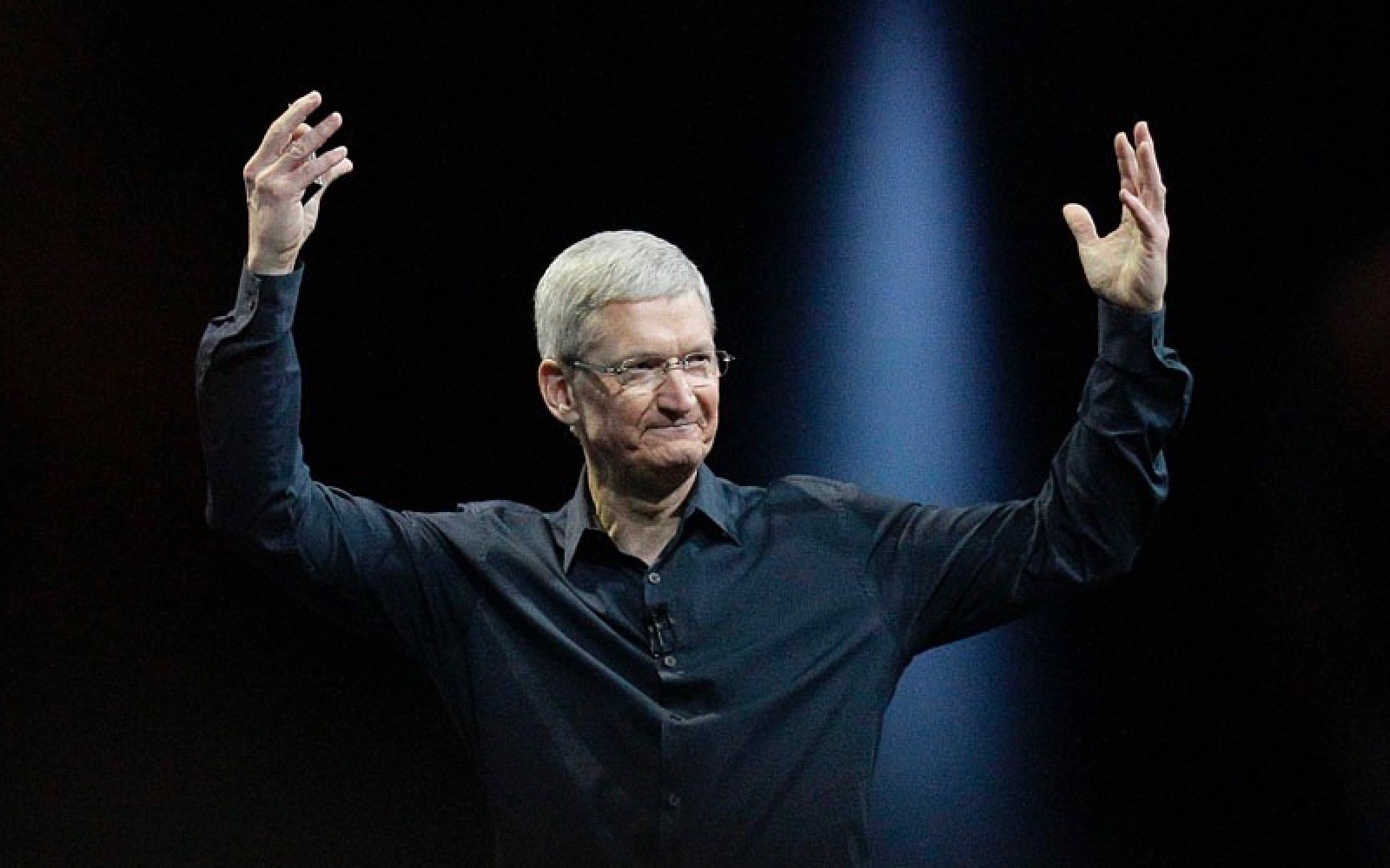 Apple/FBI: Tim Cook sends memo to employees, wants government to drop All Writs Act demands, posts customer FAQ