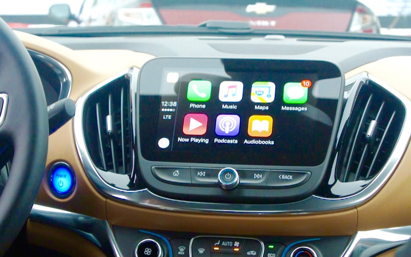 Hands On With Carplay The New Chevy Volts 8 Inch Capacitive Volt Car Display Video