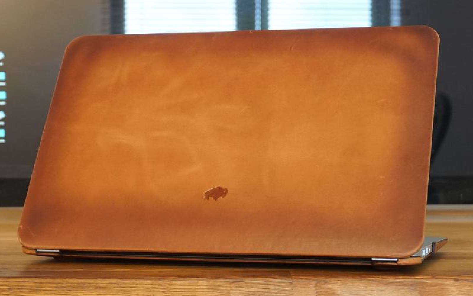 Review: Burkley hardshell leather MacBook Air case, premium leather at a premium price
