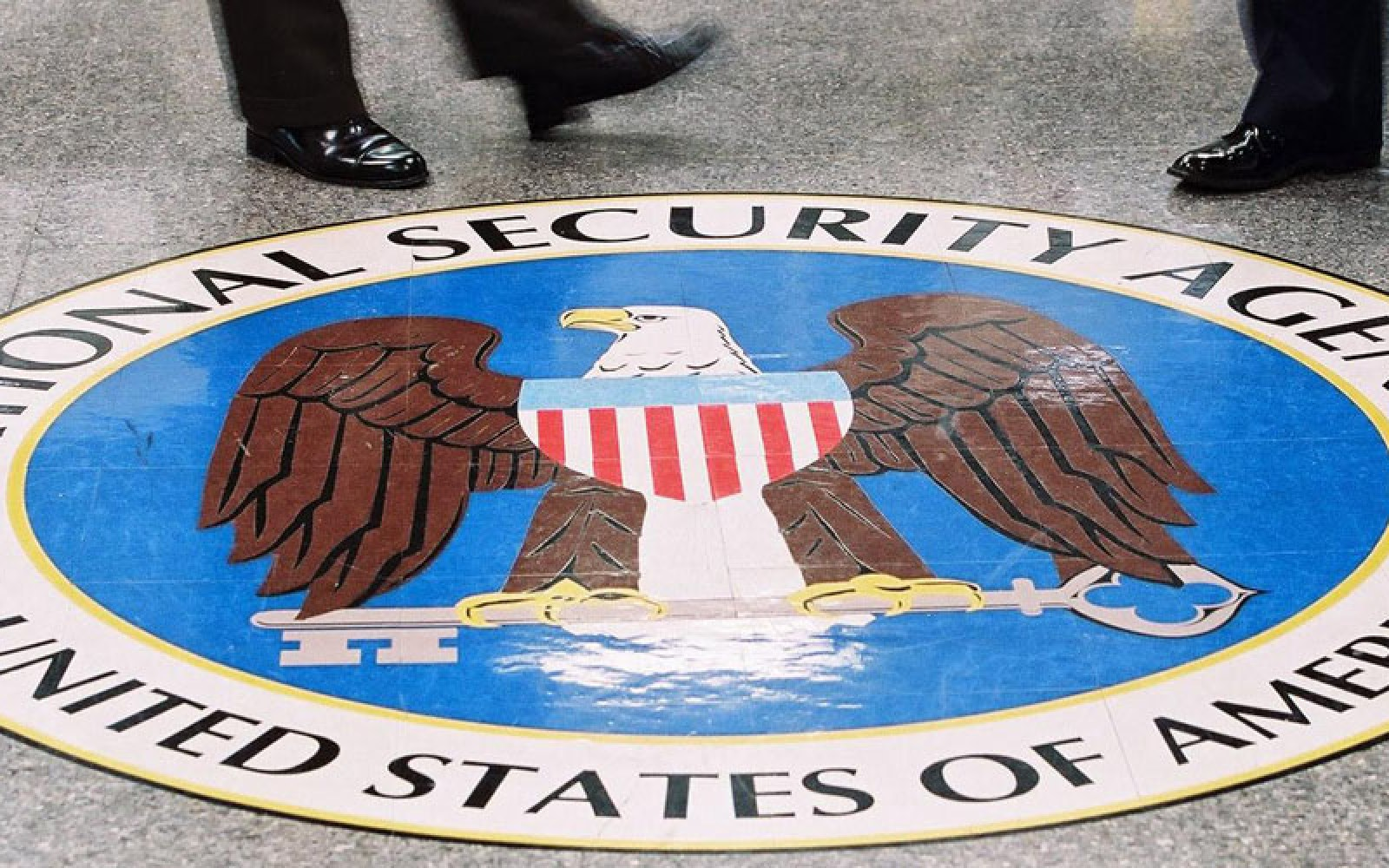 ACLU's principal technologist reacts to NSA hack with the perfect tweet about Apple/FBI battle