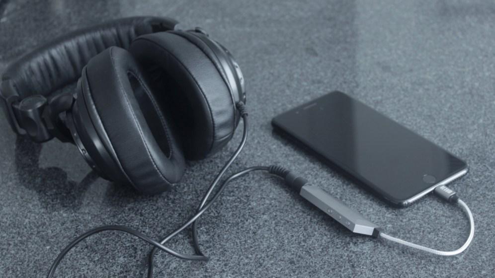 AQUA portable headphone amp with iPhone 7 Plus
