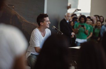 apple-unionsquare-charlie-puth