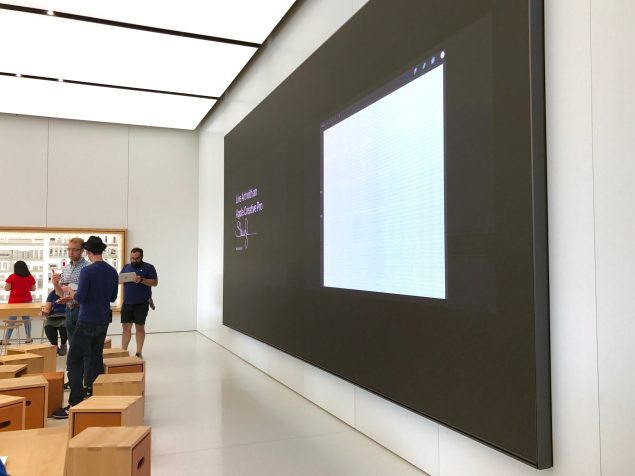 """""""Today At Apple"""" Area"""