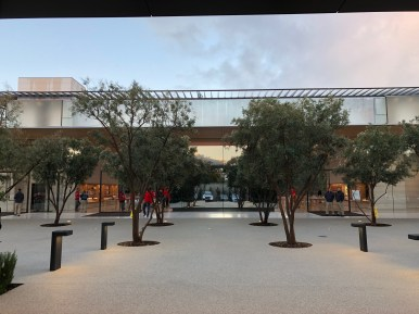 28 Apple Park