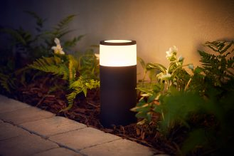 Philips-Hue-outdoor-Calla-pedestal