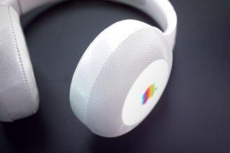 Hajek-Apple-Headphone-HP11