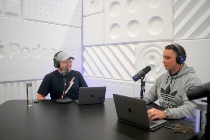 Apple-podcast-studio